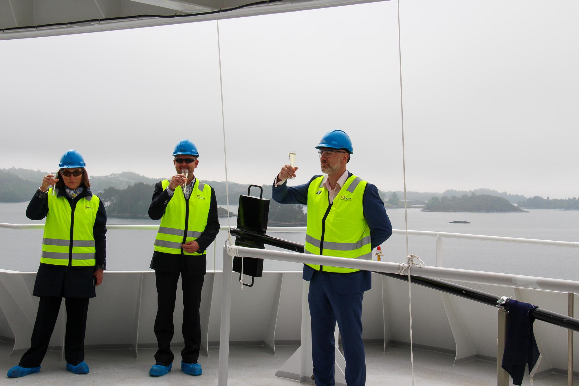 Nexans representatives, from left: Frederique Moreve (Controller & Finance Director) , Jon Ansten (Contract Manager) og Bjørn Ladegård ( VP Installation and Services).